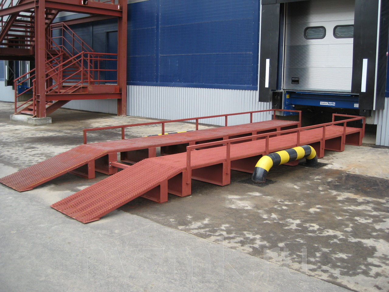 производство металлической эстакады для разгрузки транспорта