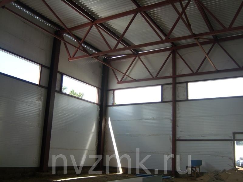 Здание гаража однопролетное, одноэтажное оборудованное подвесным электрическим краном грузоподъемностью - 5т.