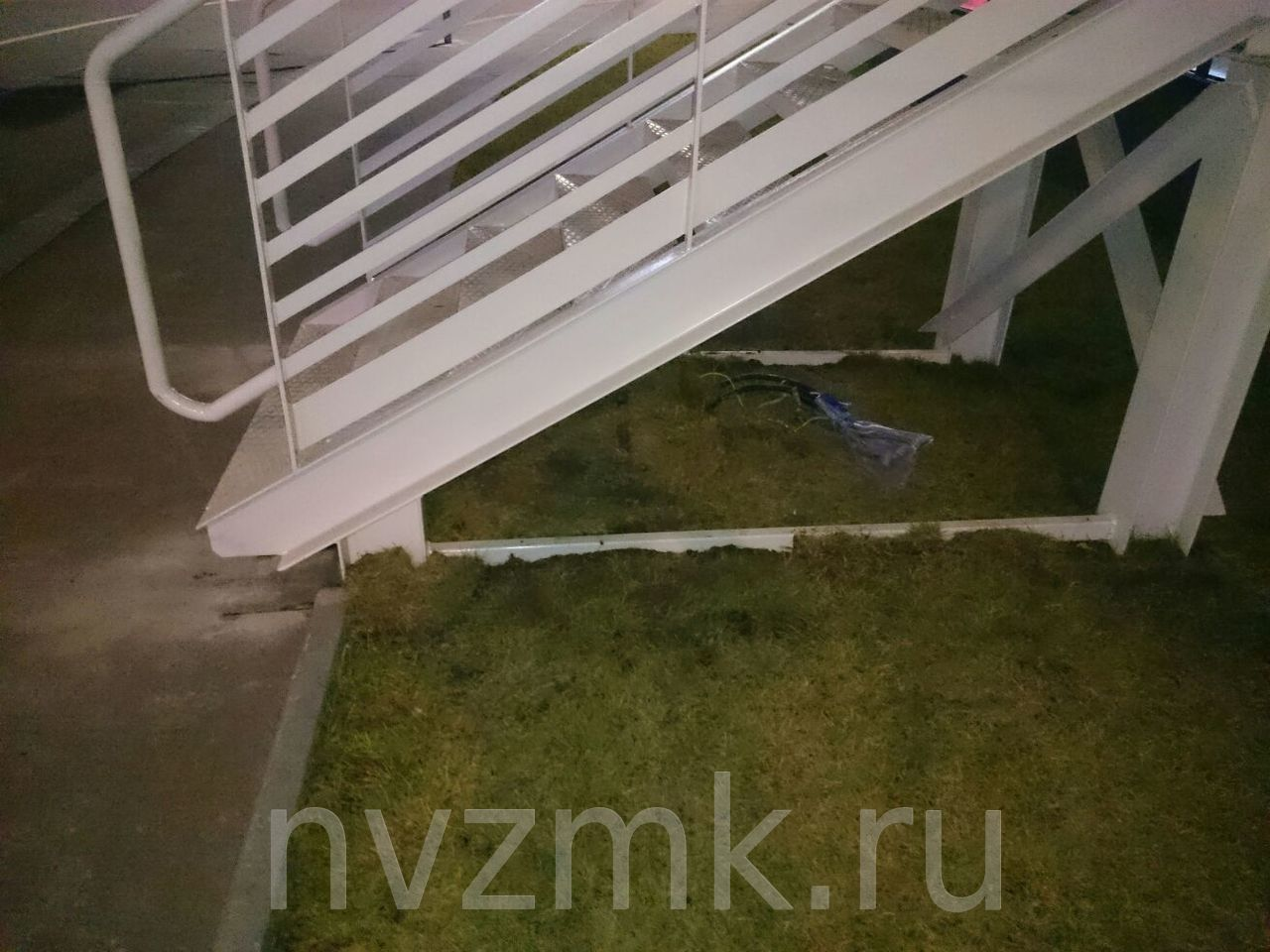 ПСК НЗМК отгрузило решетчатые настилы специальных конструкций